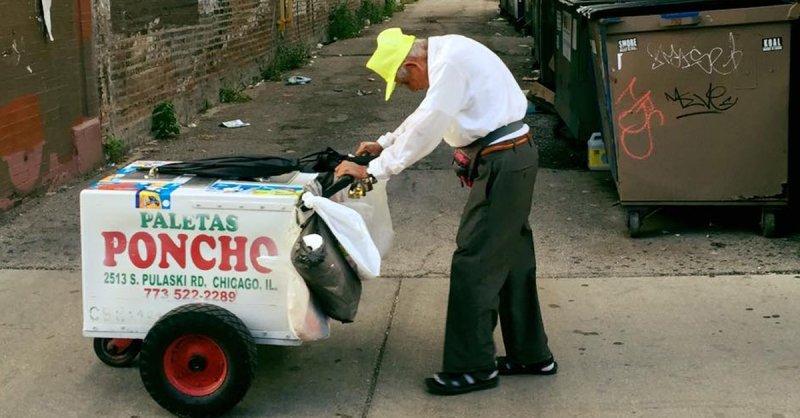 89-jähriger Eisverkäufer bekommt Vermögen geschenkt um in Rente gehen zu können