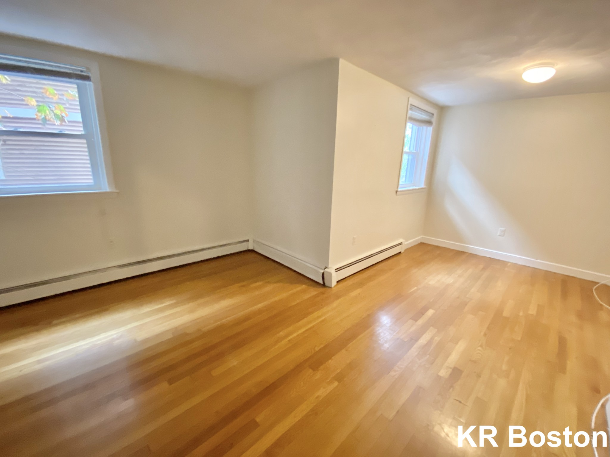 2 Beds, 1 Bath apartment in Brookline for $2,195