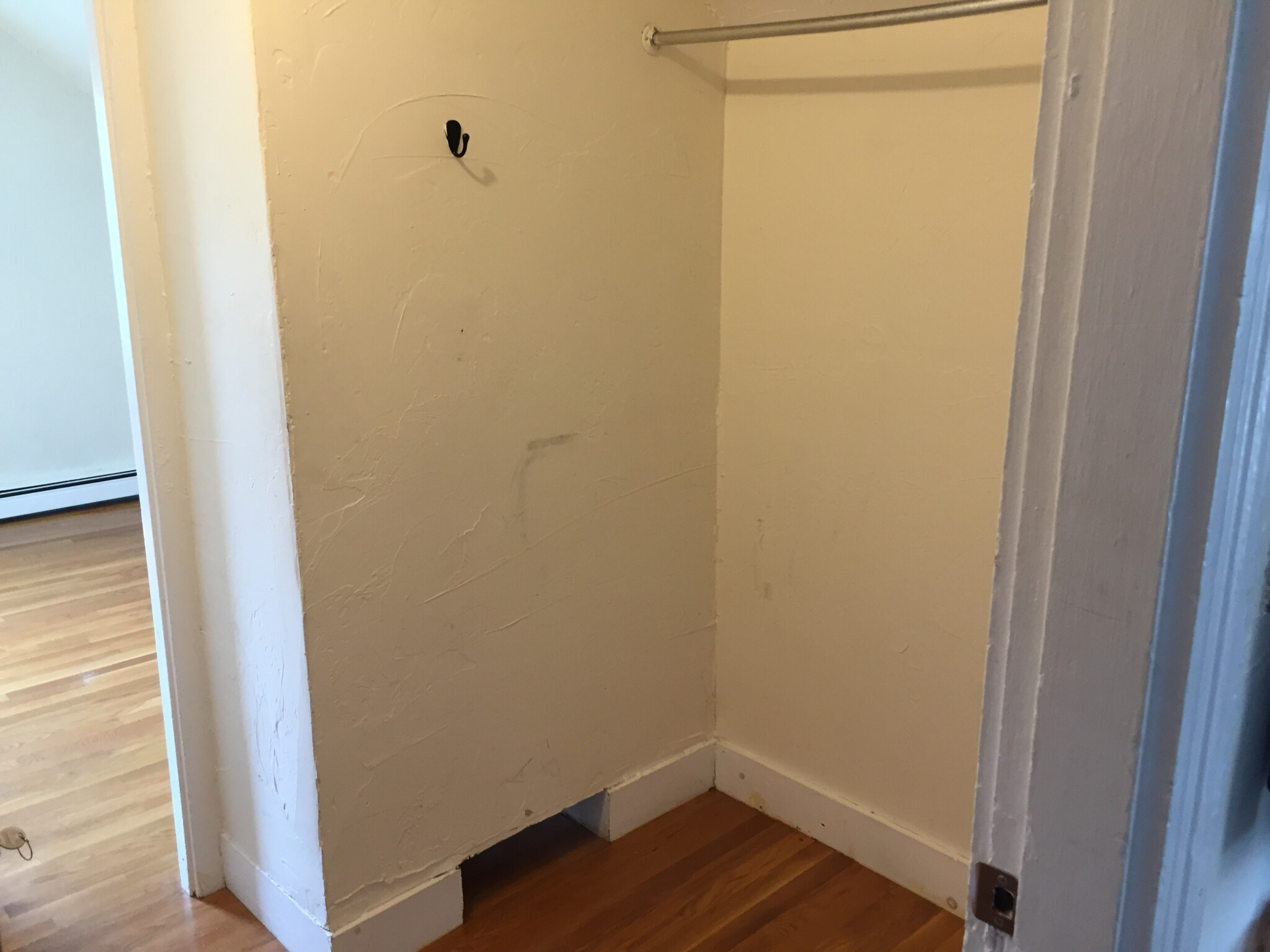 2 Beds, 1 Bath apartment in Somerville for $2,200