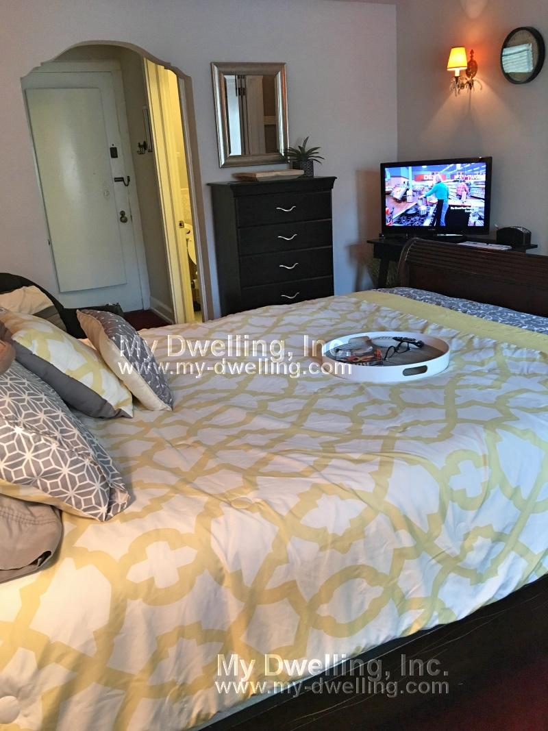 Fully Furnished Condo at the Kinickerbocker available immediately