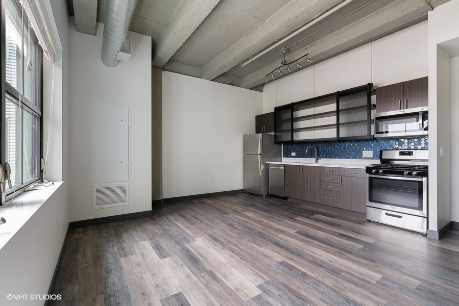 2101 South Wabash Ave., Chicago, IL - 1,685 USD/ month