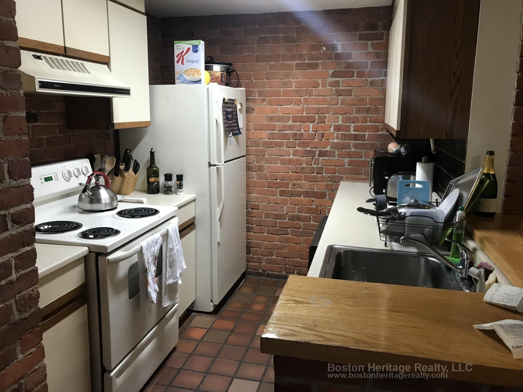 2 Beds, 1 Bath apartment in Boston, Fenway for $2,950
