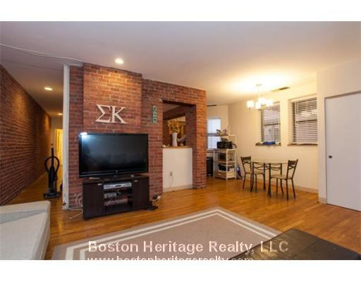 2 Beds, 1 Bath apartment in Boston, Fenway for $3,200