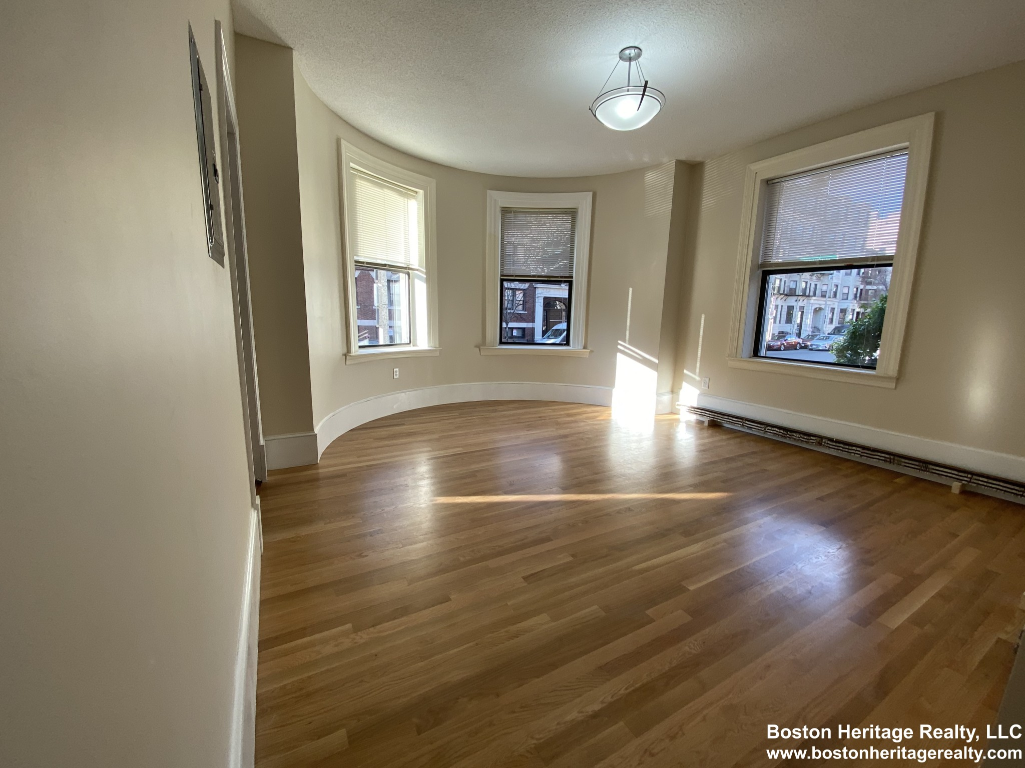 2 Beds, 1 Bath apartment in Boston, Fenway for $2,995