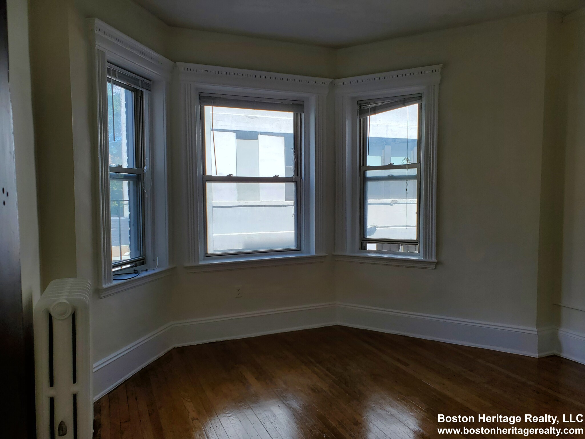 2.8 Beds, 1 Bath apartment in Boston, Fenway for $2,200