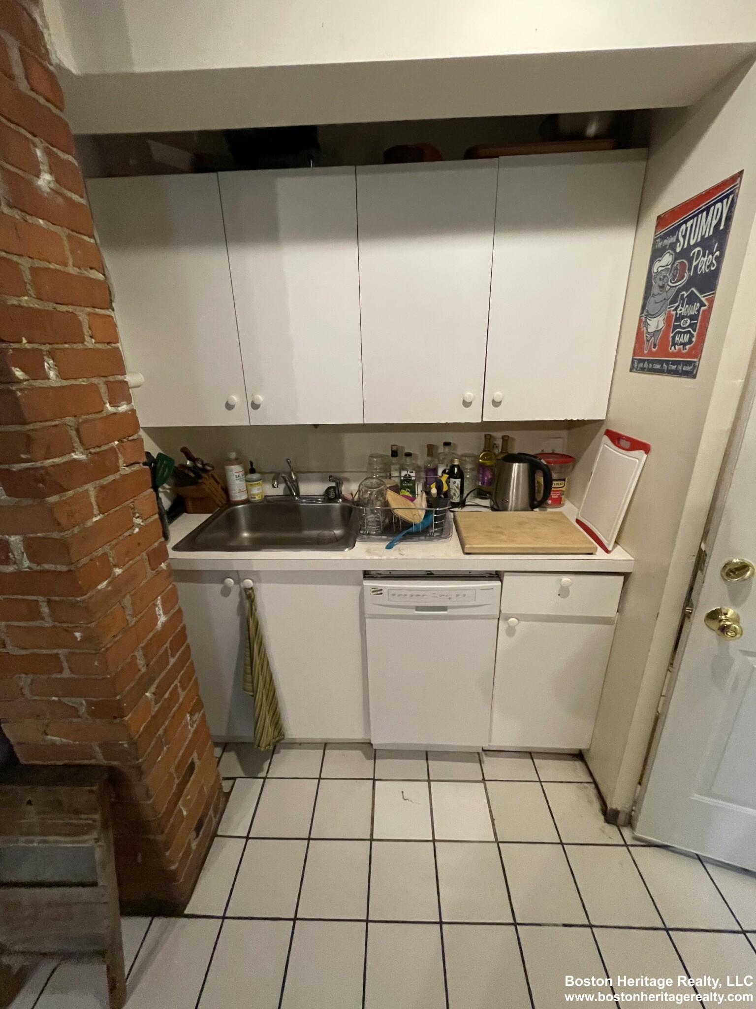 2 Beds, 1 Bath apartment in Boston, Fenway for $2,600