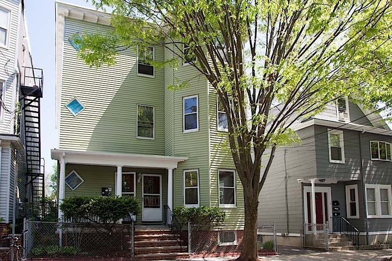4 Beds, 1 Bath apartment in Somerville for $3,400
