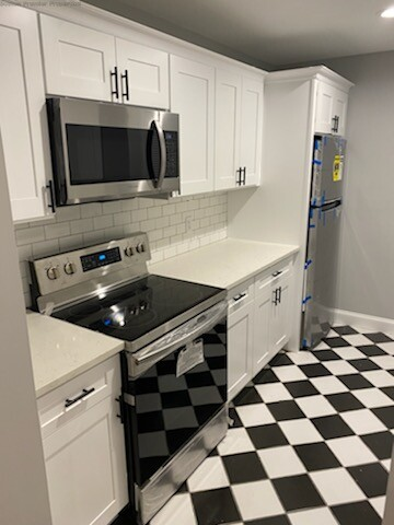 2 Beds, 1 Bath apartment in Quincy for $2,100