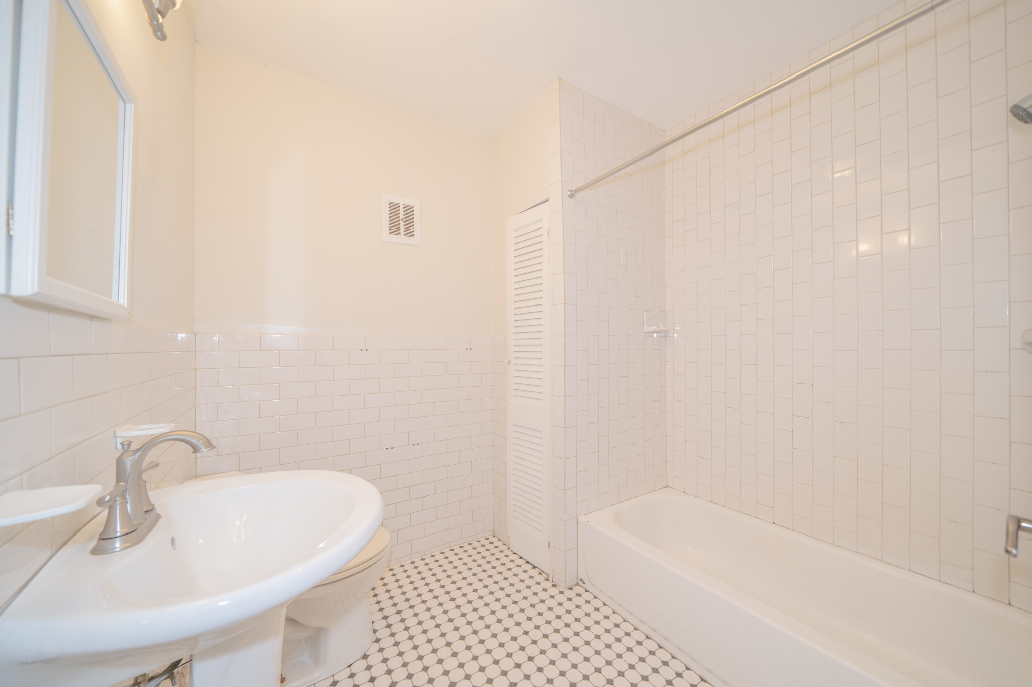 1 Bed, 1 Bath apartment in Brookline for $1,900