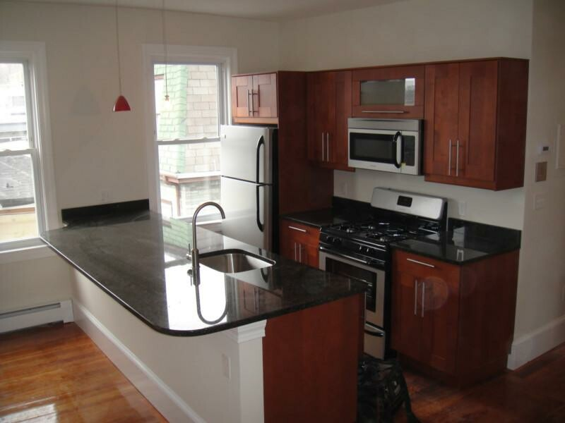 Renovated 3 Bd on Wensley St., Avail 09/01, Granite kitchen