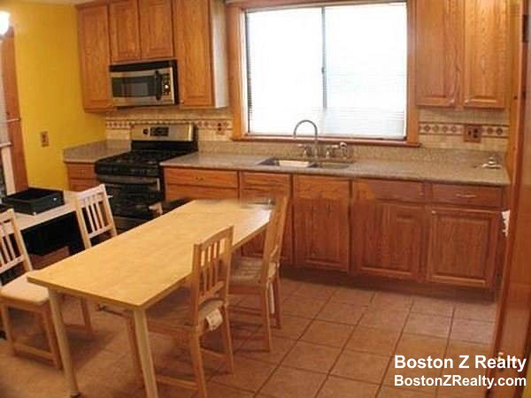 4 Beds, 2 Baths apartment in Somerville, Union Square for $2,600