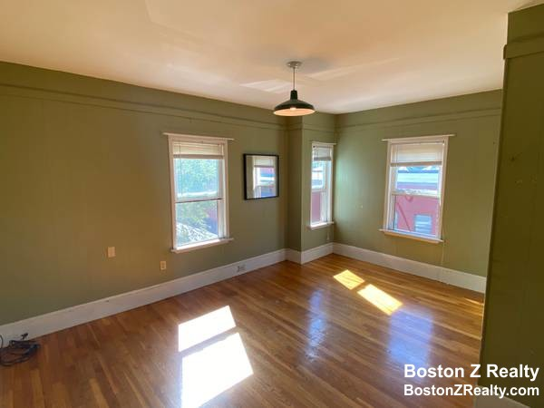3 Beds, 1 Bath apartment in Somerville, Davis Square for $2,300