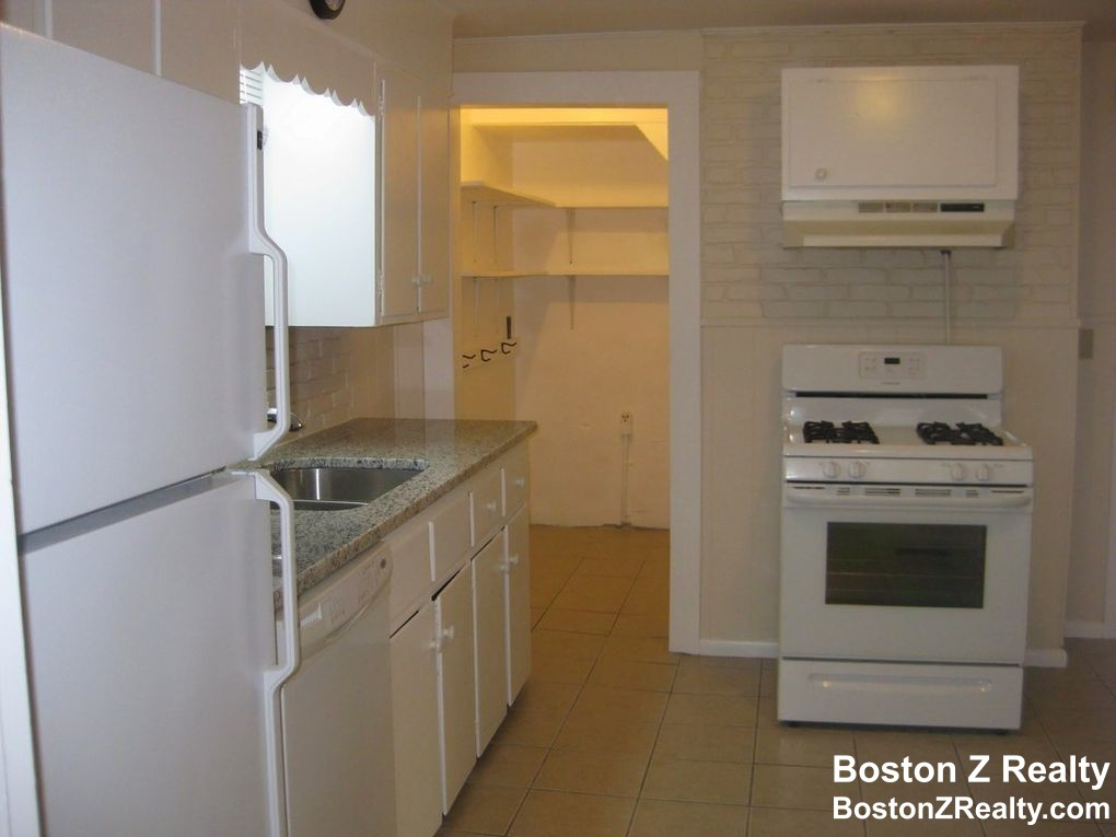 1.5 Beds, 1 Bath apartment in Somerville, East Somerville for $1,600