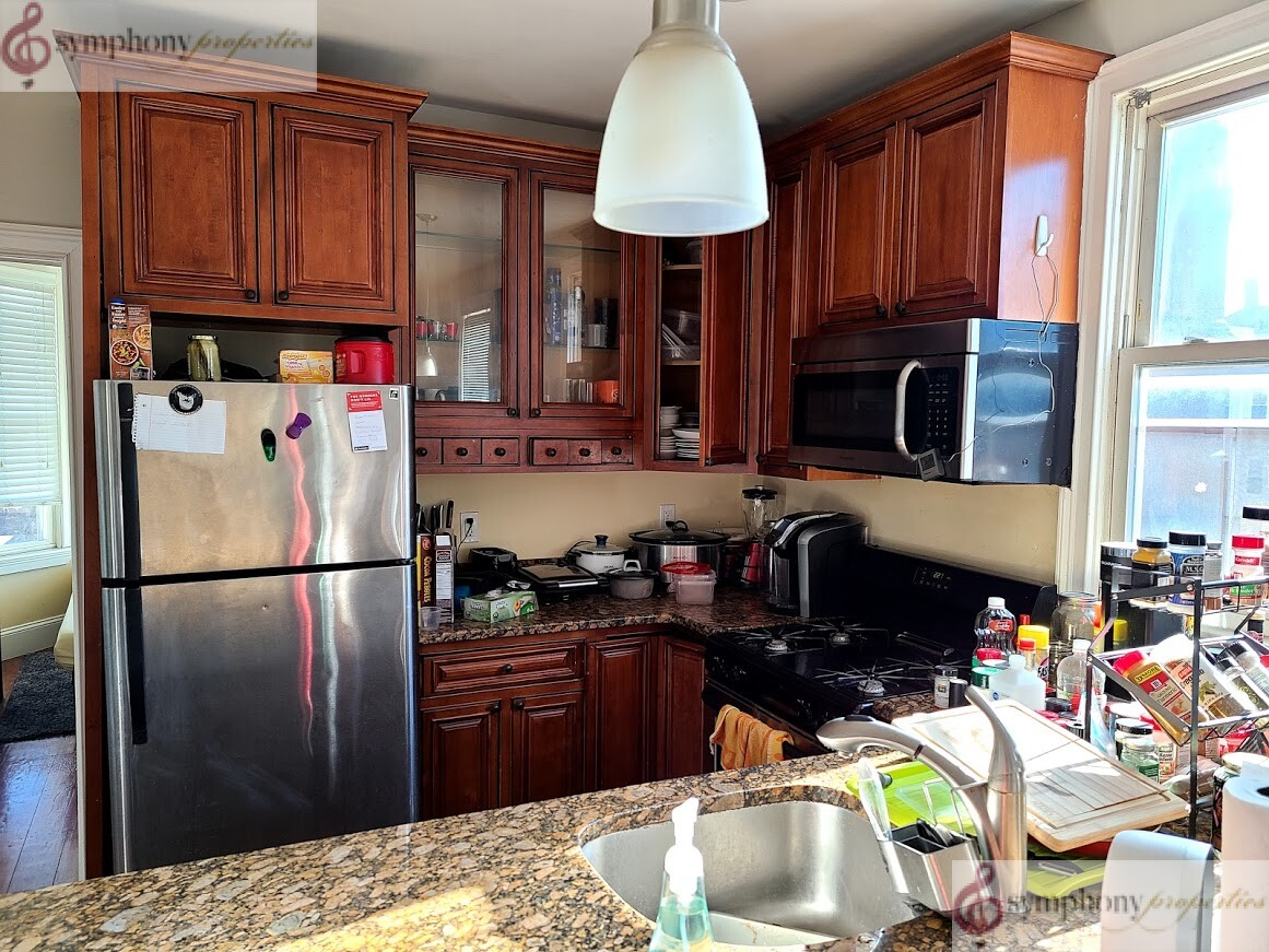 4 Beds, 1 Bath apartment in Boston, Mission Hill for $4,100