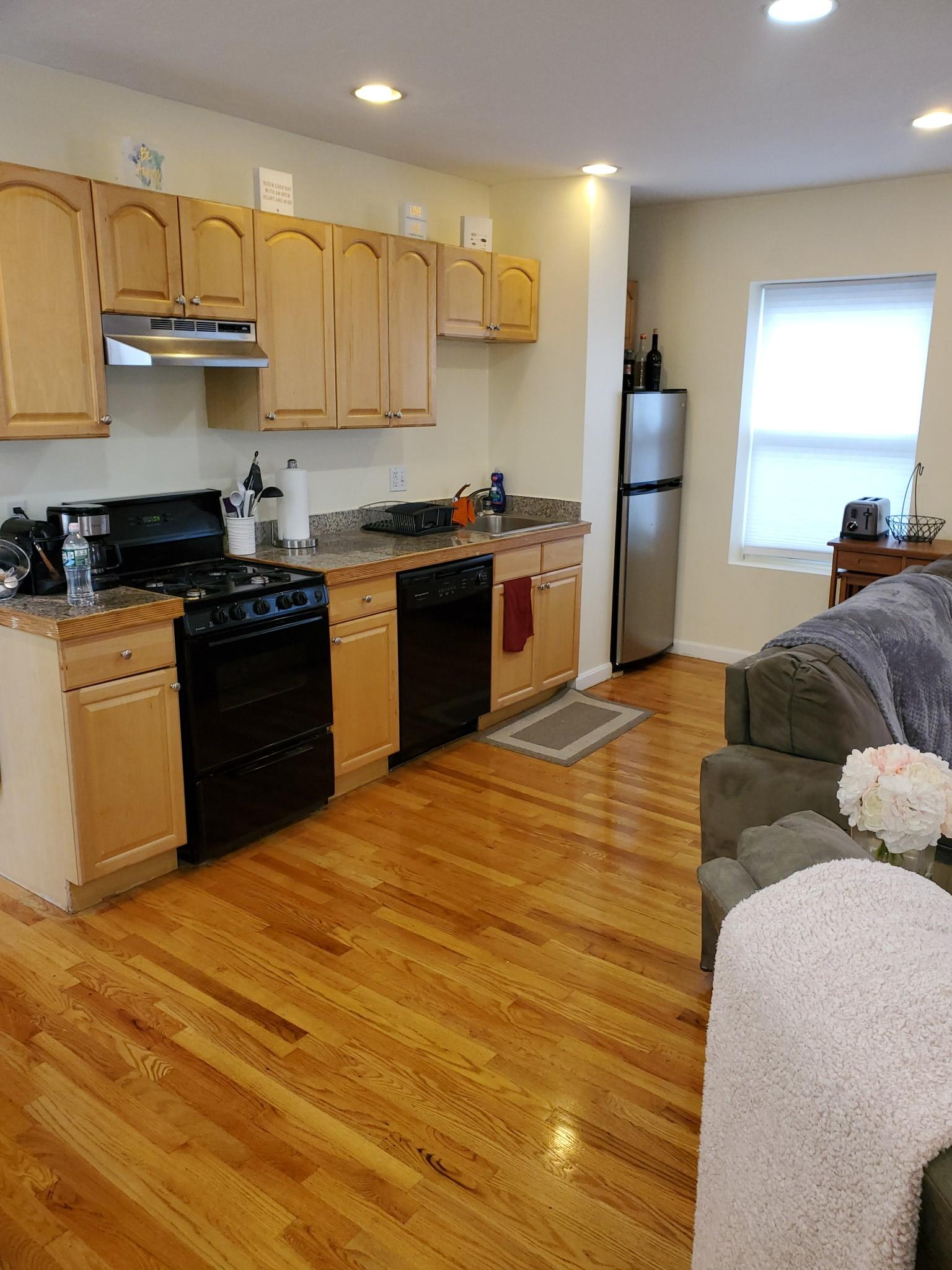 2 Beds, 1 Bath apartment in Boston, North End for $2,800