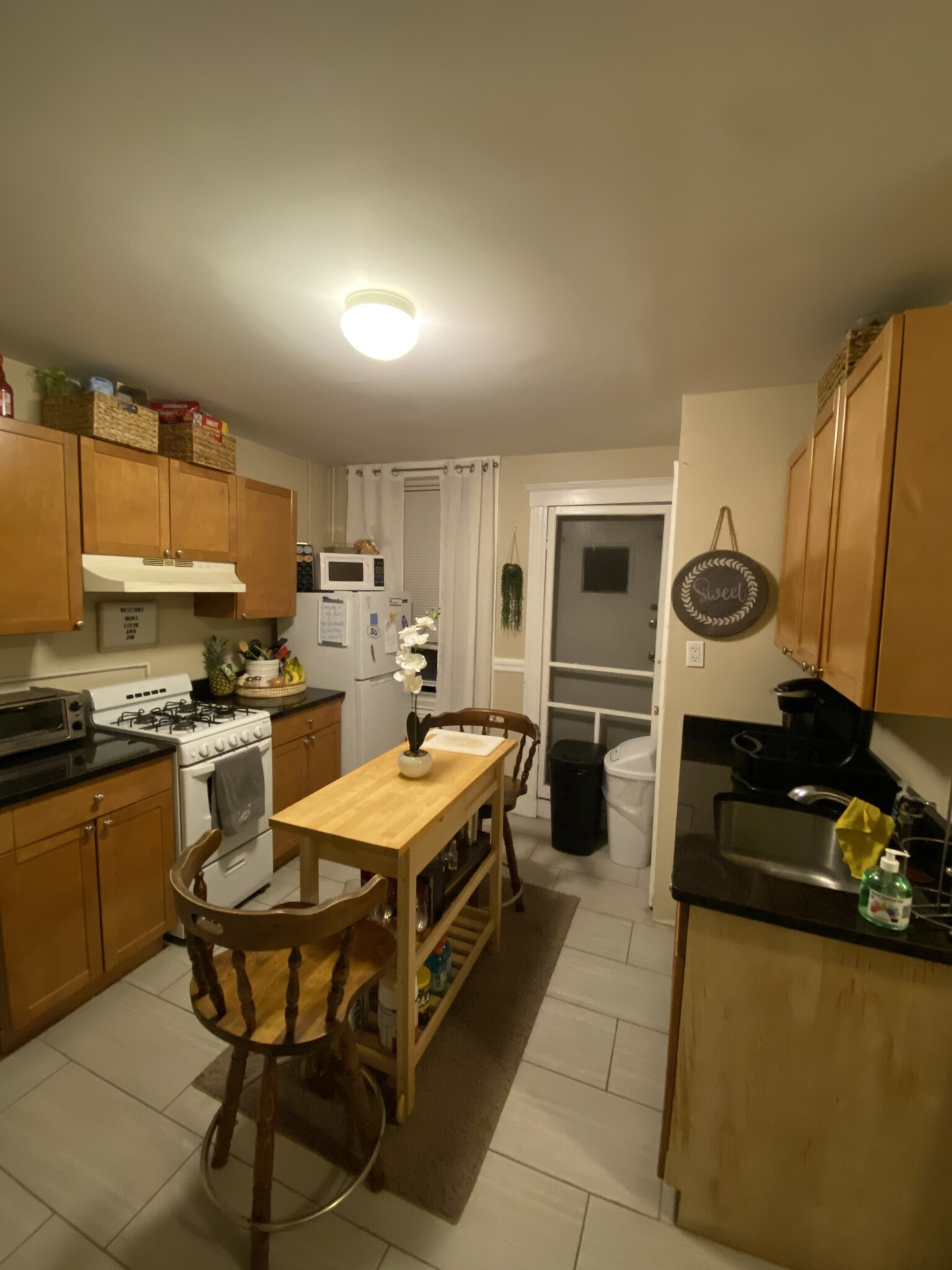 1.8 Beds, 1 Bath apartment in Boston, North End for $2,300