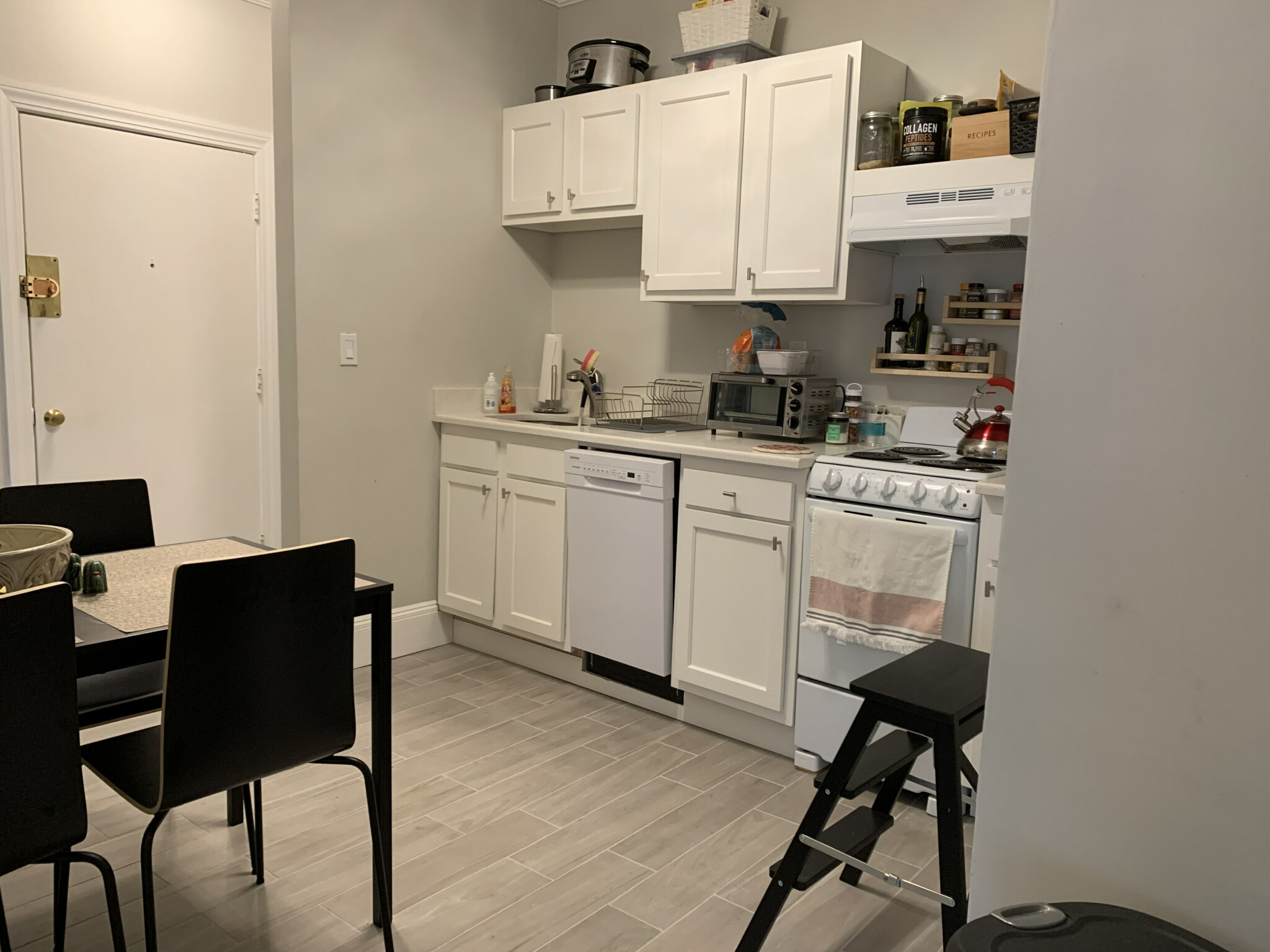 2 Beds, 1 Bath apartment in Boston, Allston for $2,200