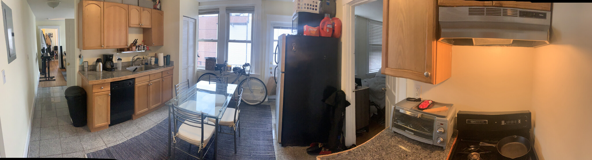 2 Bd on Hanover St., Include Heat, Avail 09/01, Laundry in Building