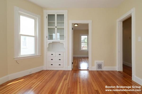 3 Beds, 1 Bath apartment in Boston, Dorchester for $2,700
