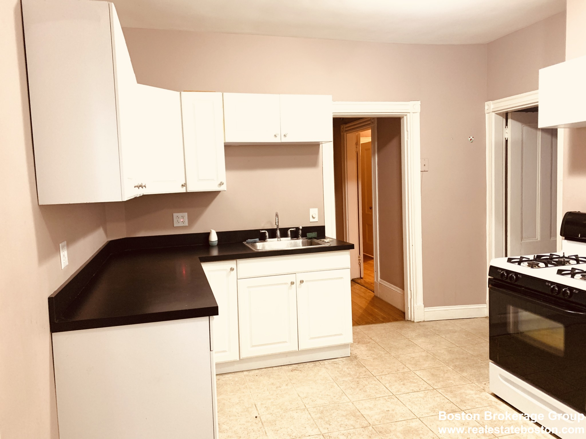 3 Beds, 1 Bath apartment in Boston for $2,200