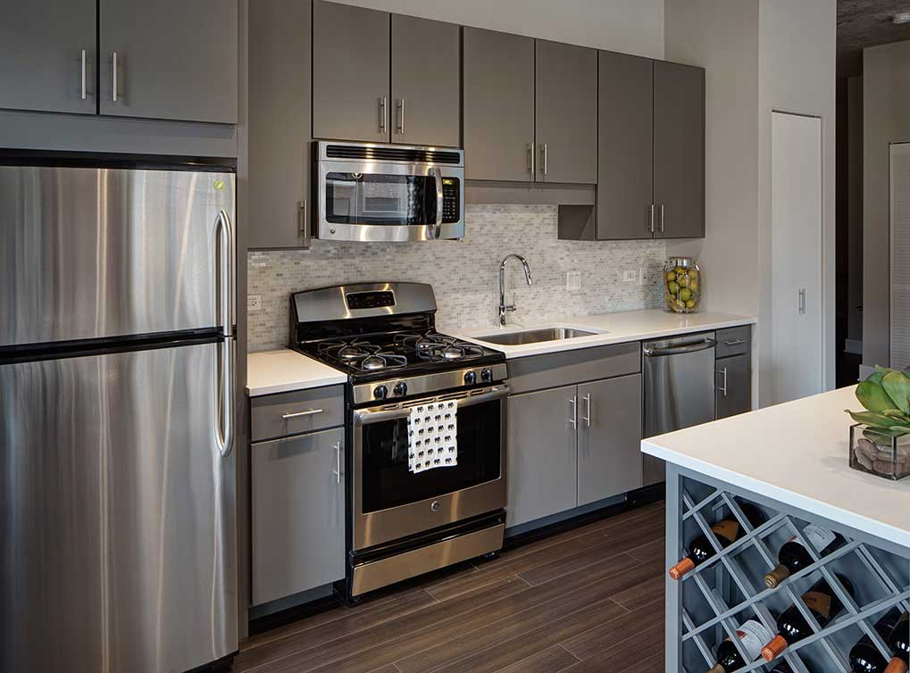 1 BED/1 BATH IN PRINTERS ROW