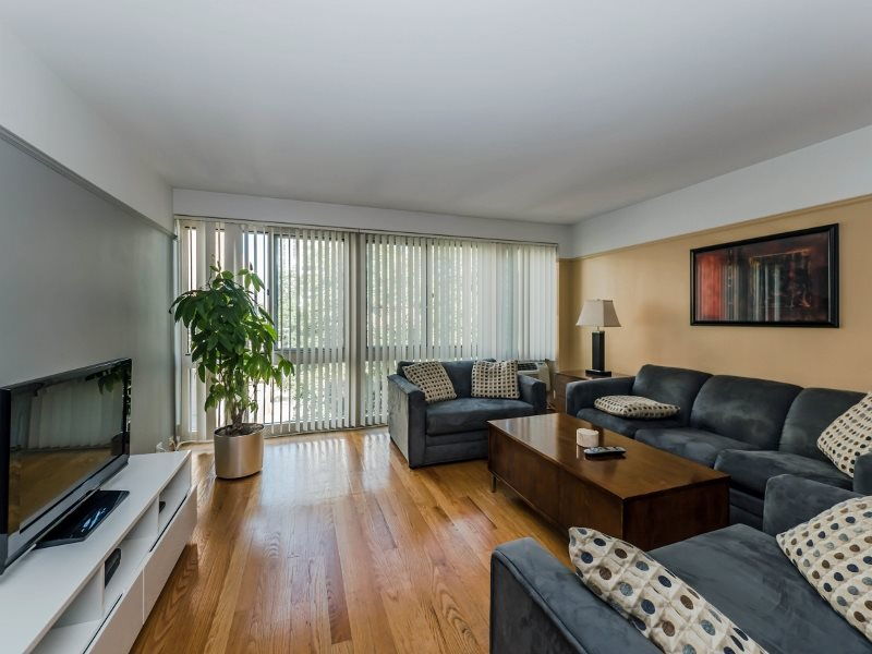 2 BED UNIT IN LAKEVIEW