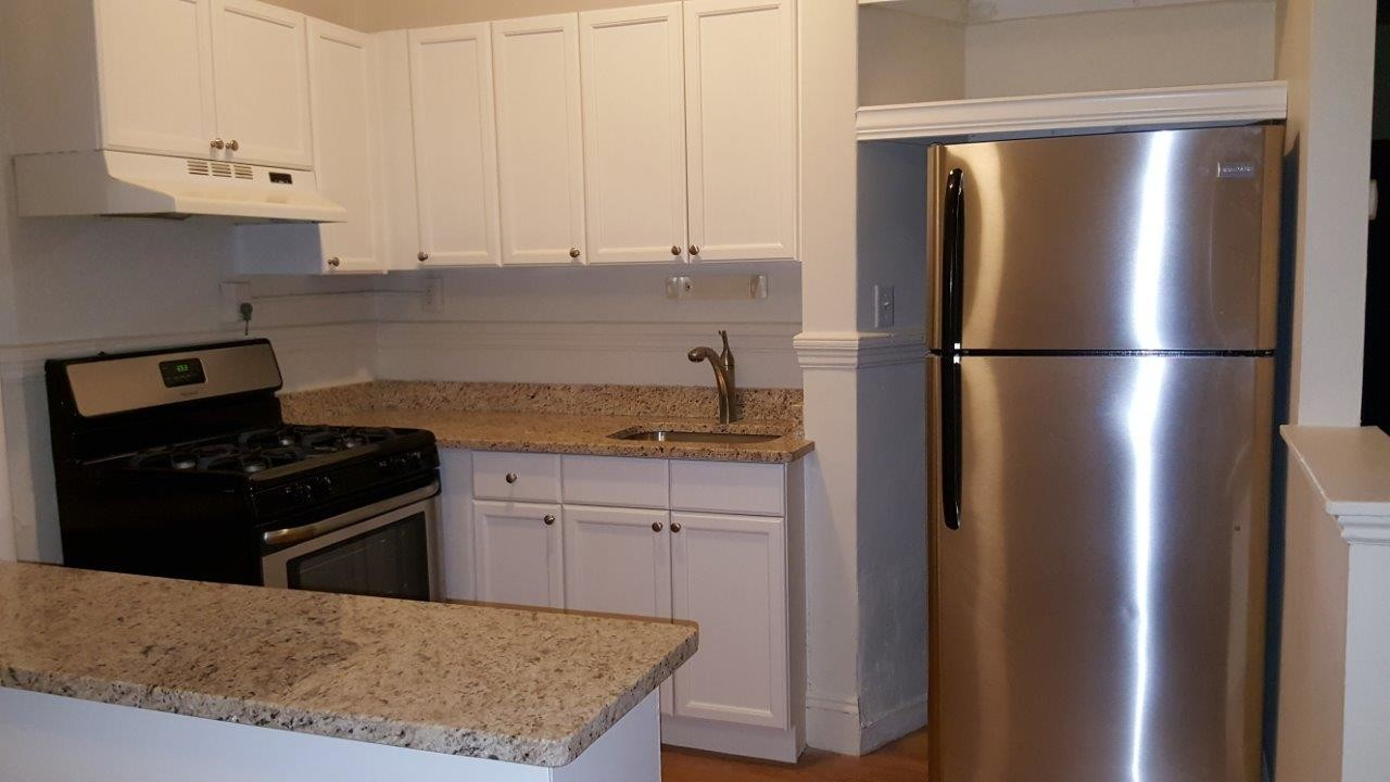 2.8 Beds, 1 Bath apartment in Brookline for $2,450