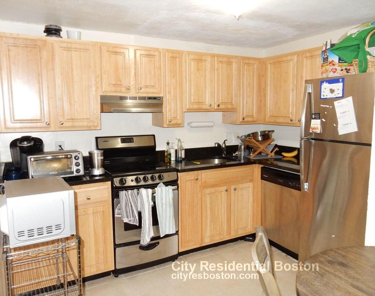3 Beds, 2 Baths apartment in Boston, Beacon Hill for $3,300