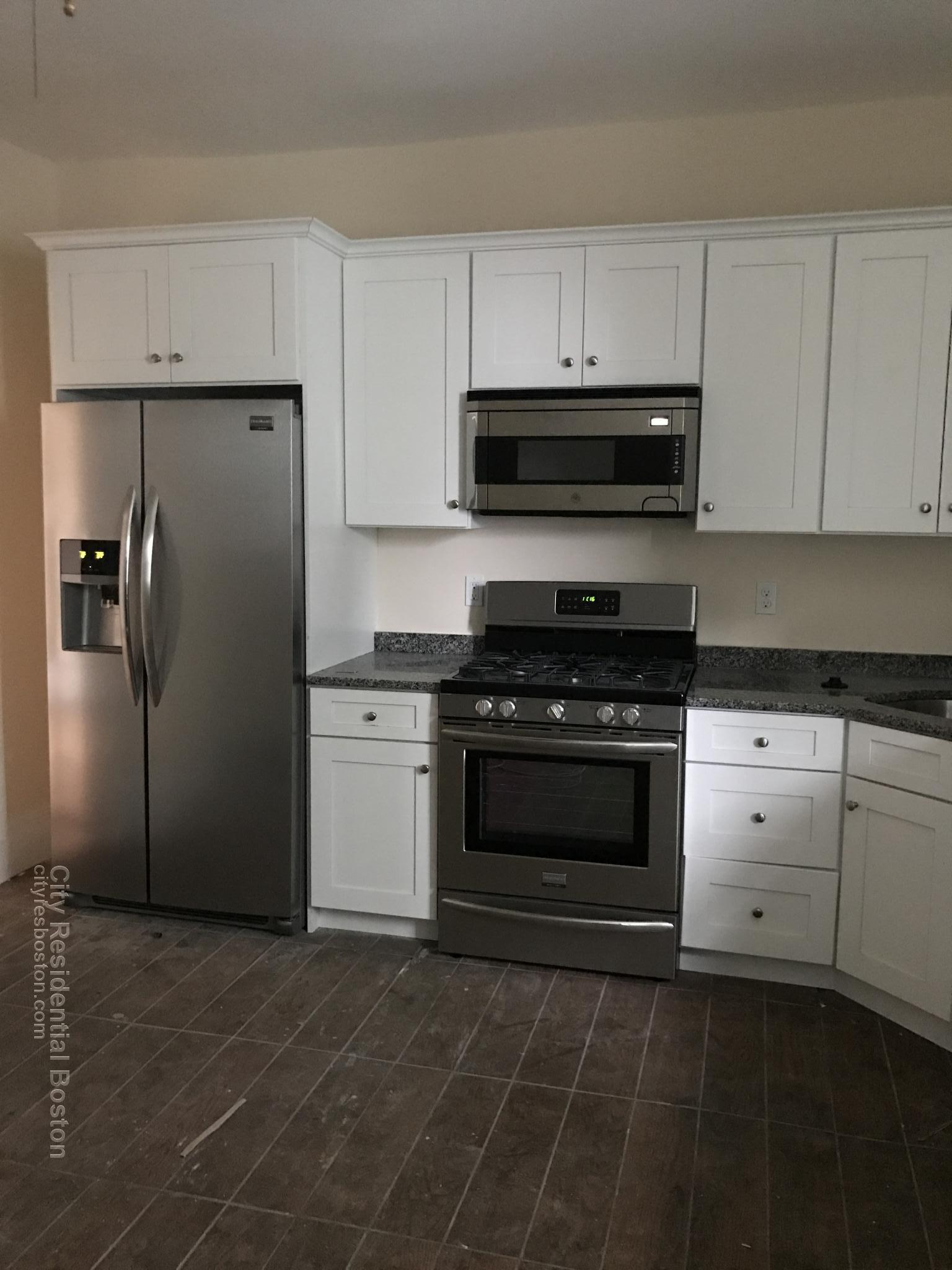 5 Beds, 2 Baths apartment in Boston, South Boston for $5,500