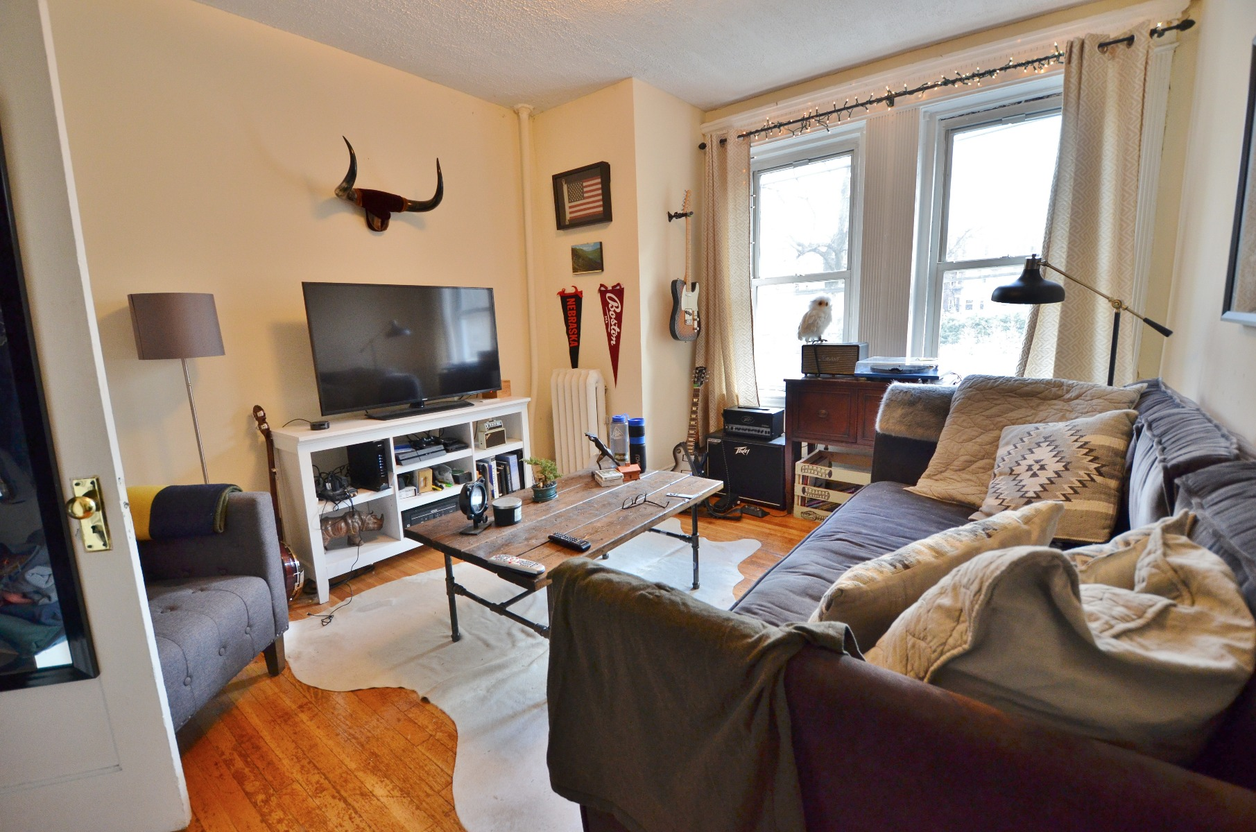 Avail 9/1 - Comfortable Awesome 1 BR on Peterborough St