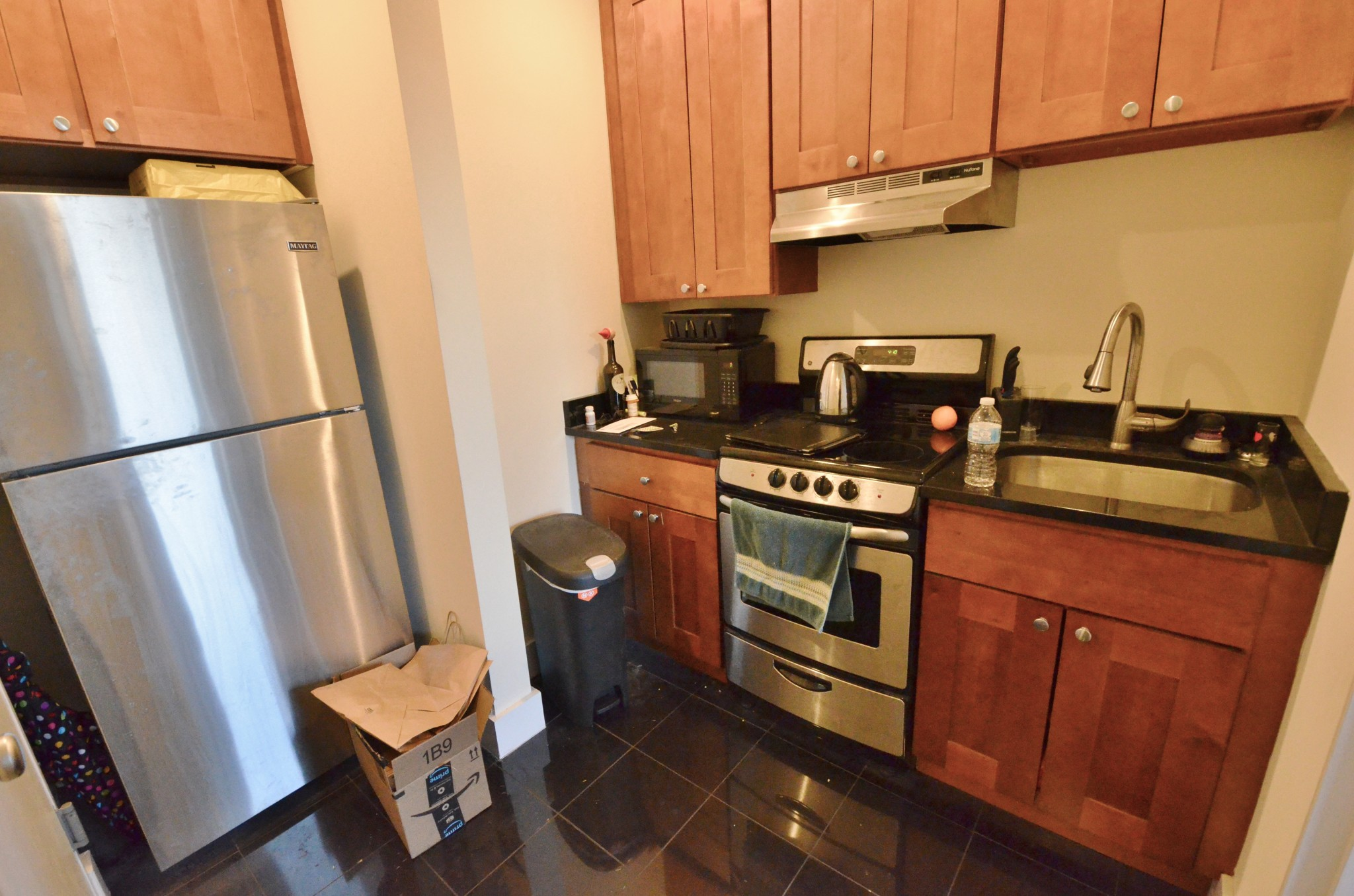Avail 9/1 - Bright Comfortable Roomy Studio on Peterborough St