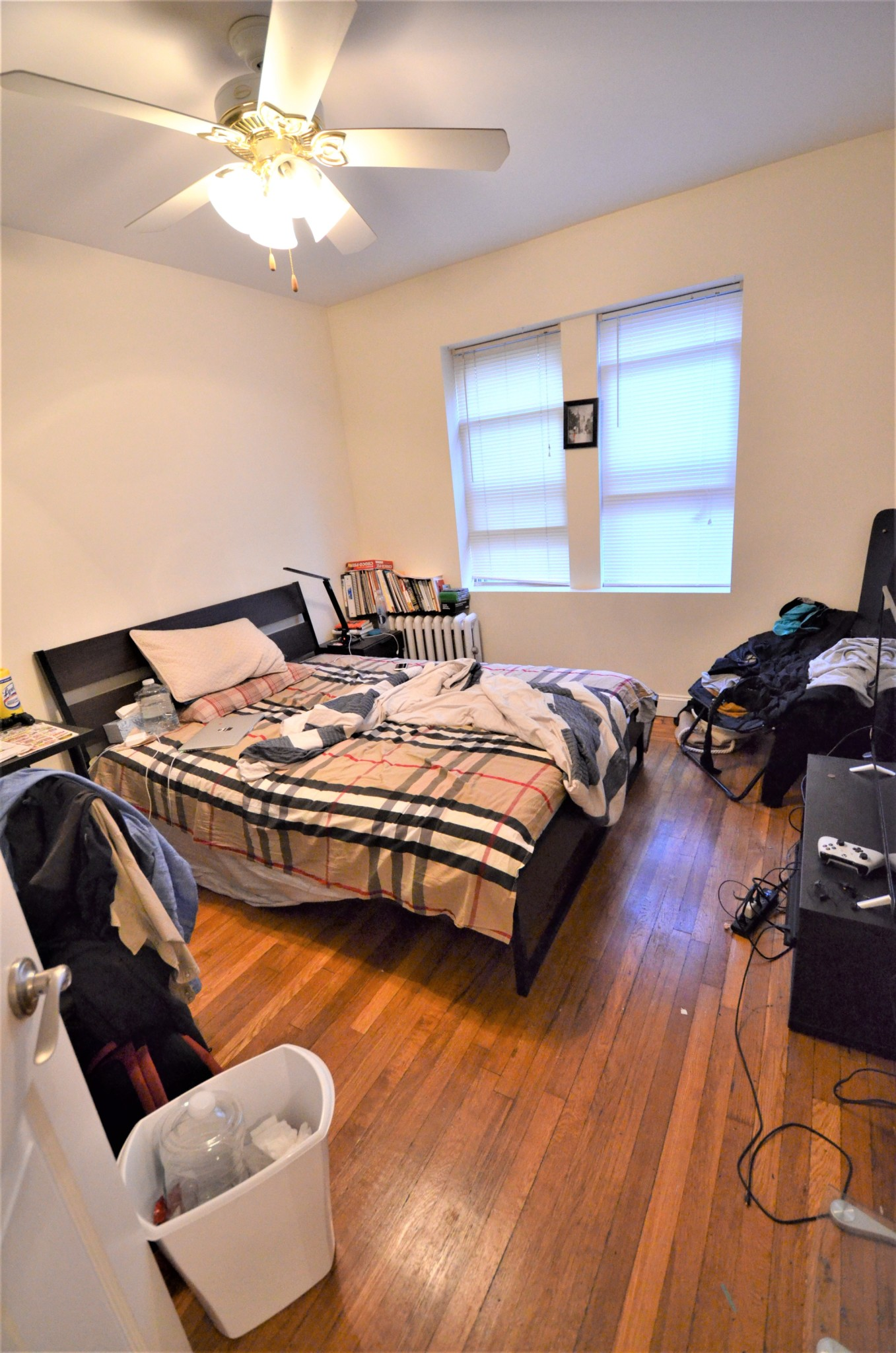 Avail 9/1 - Awesome, Clean, Renovated 1 BR