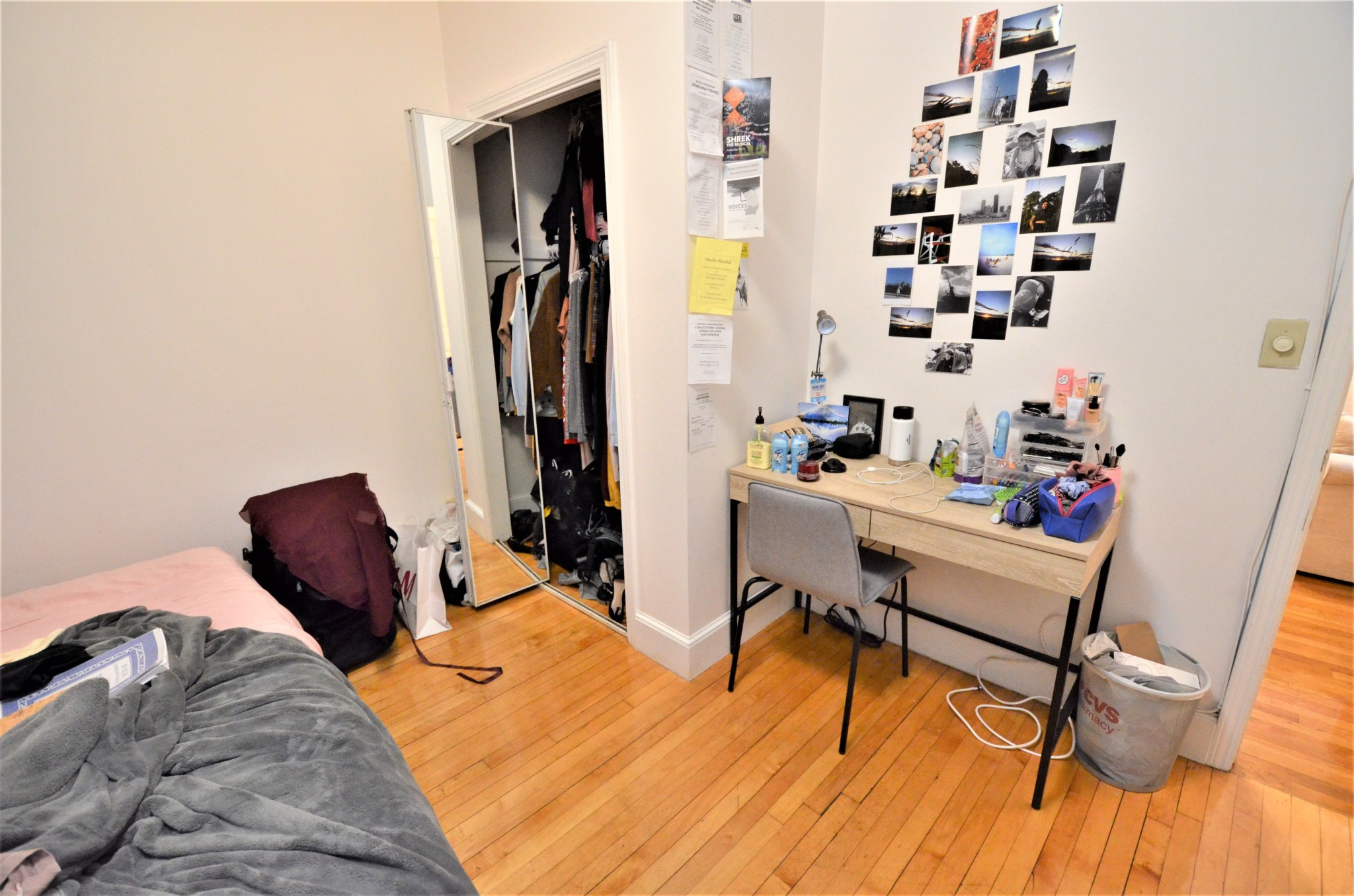Avail 9/1 - Spacious Well lit Awesome 1 BR Split on Peterborough