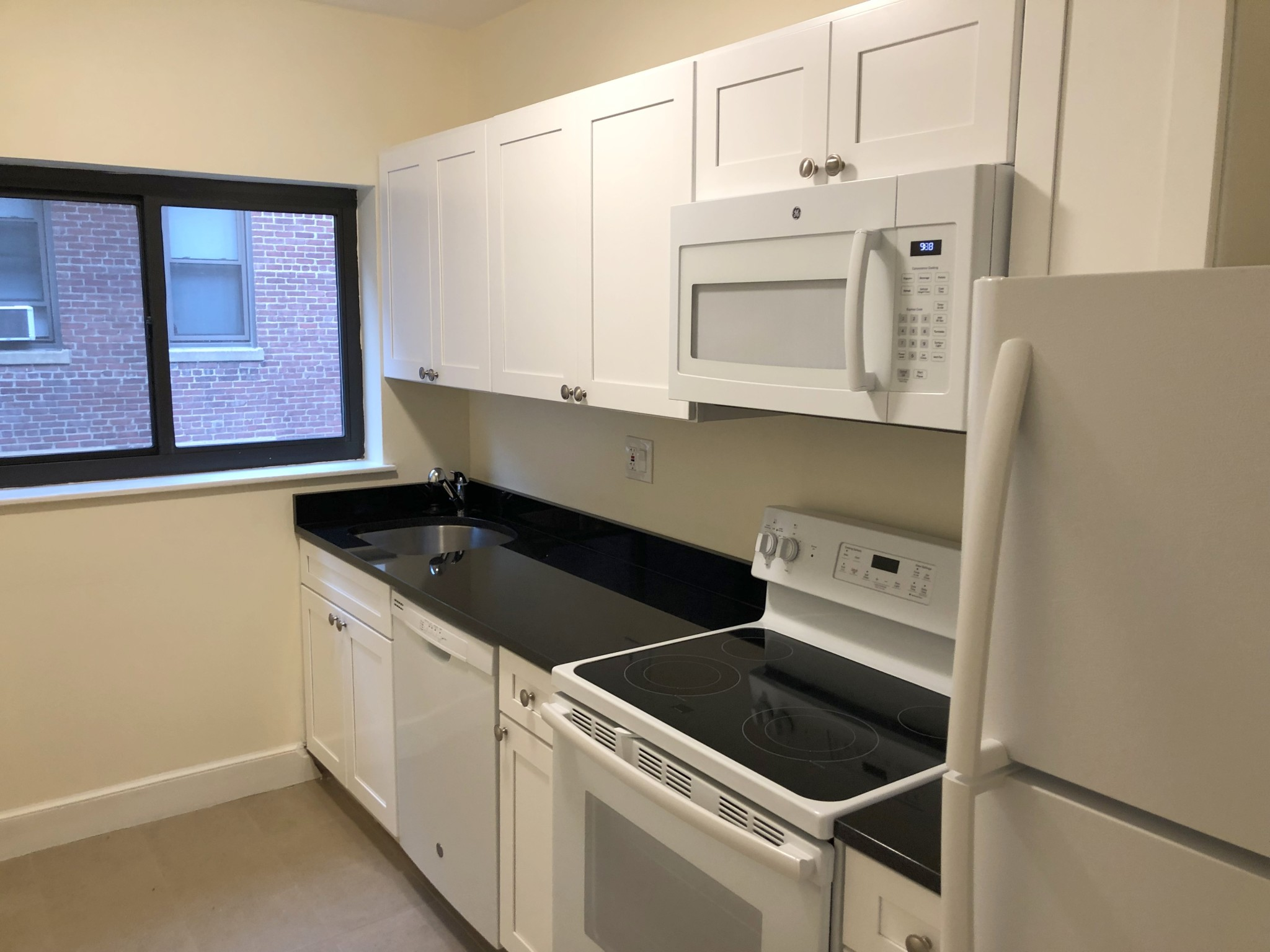 3 Beds, 1 Bath apartment in Brookline for $2,800