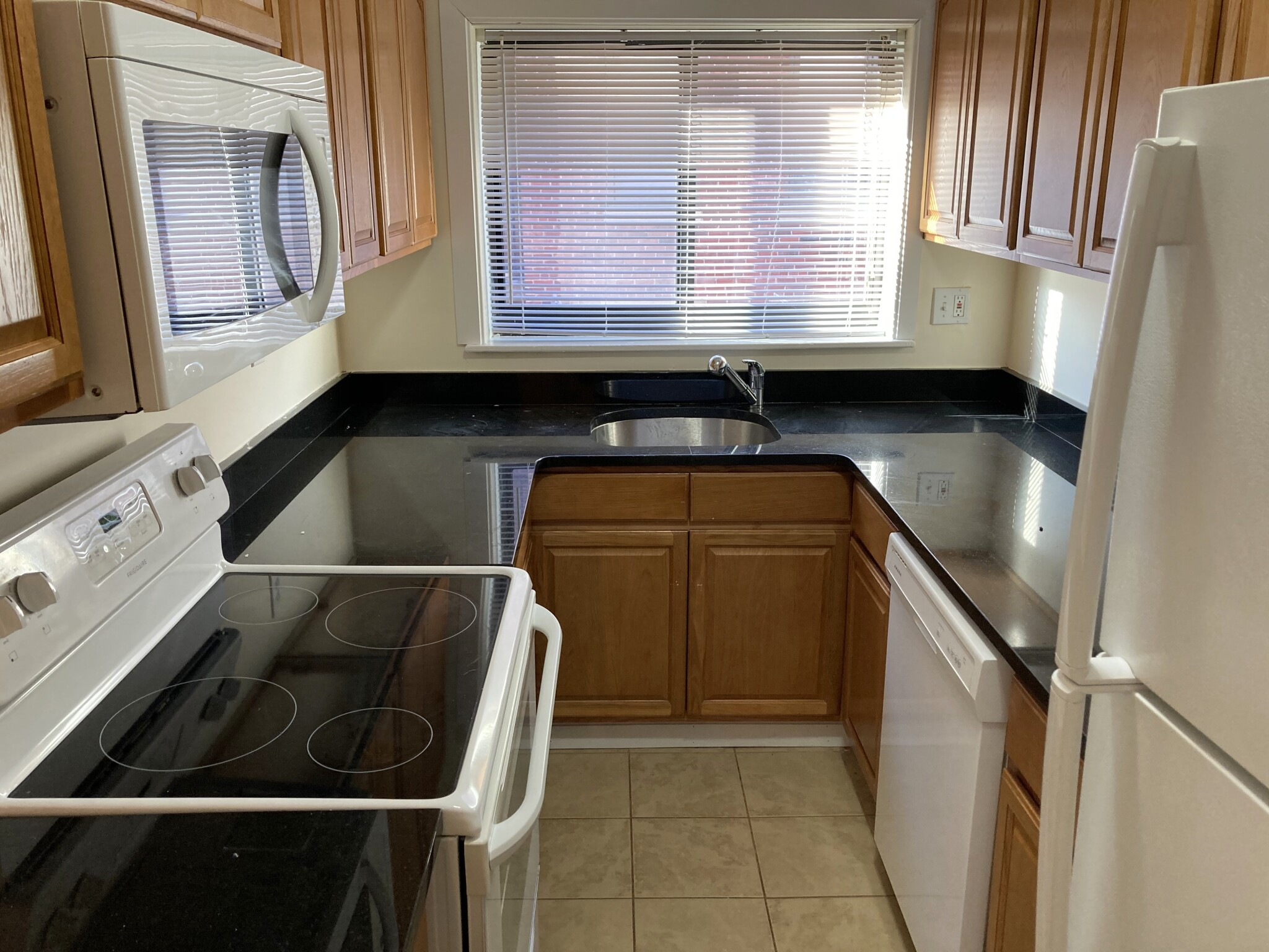 3 Beds, 1 Bath apartment in Brookline for $2,500