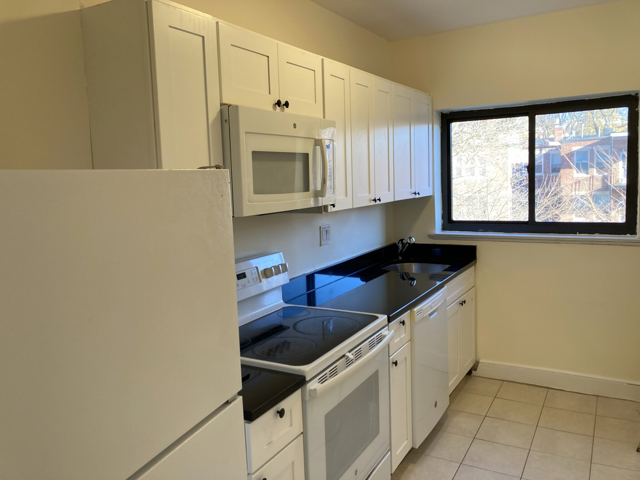 3 Beds, 1 Bath apartment in Brookline for $3,625