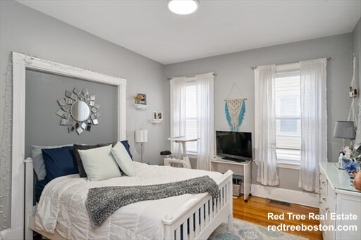 12 Dalrymple St. - 3300USD / month