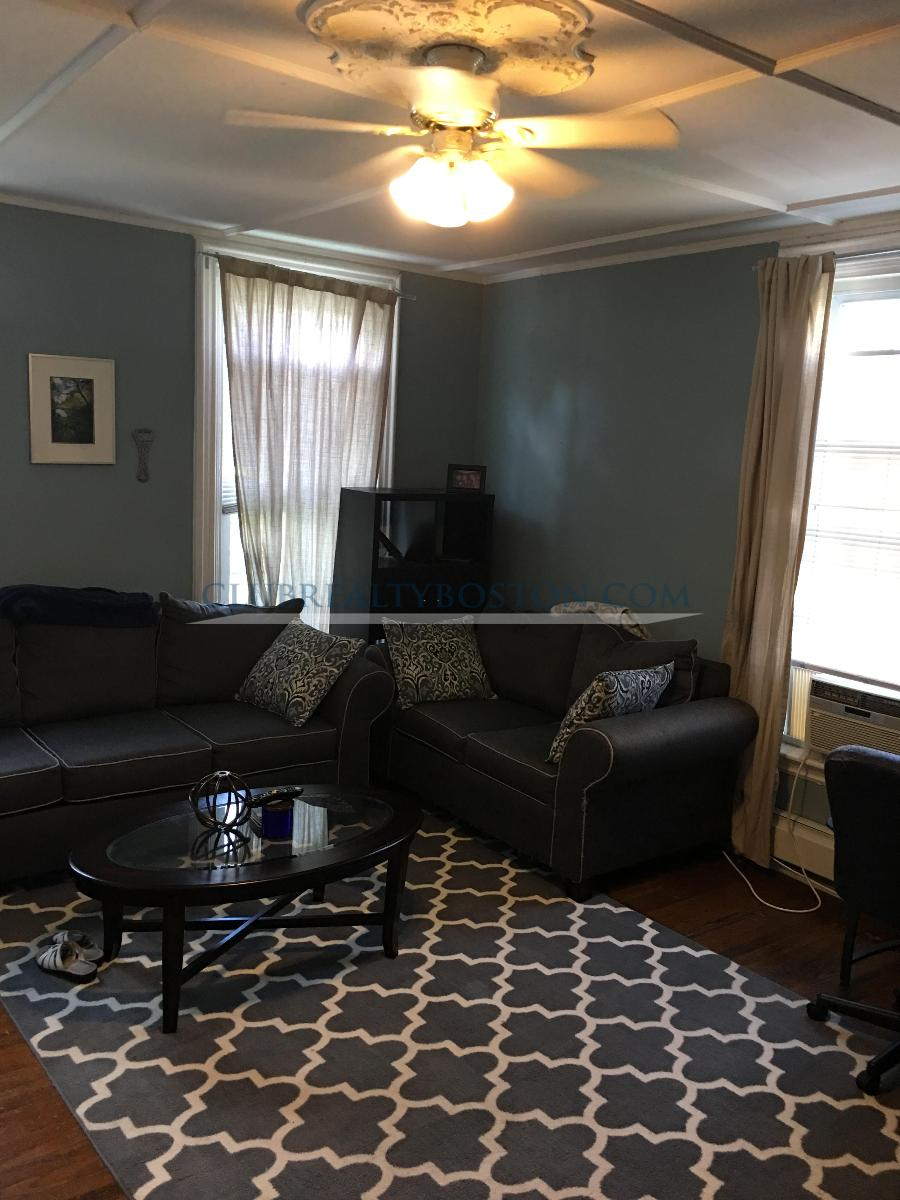 Extra large 1 bed w/ laundry in unit.~Dishwasher~Off Street Parking~