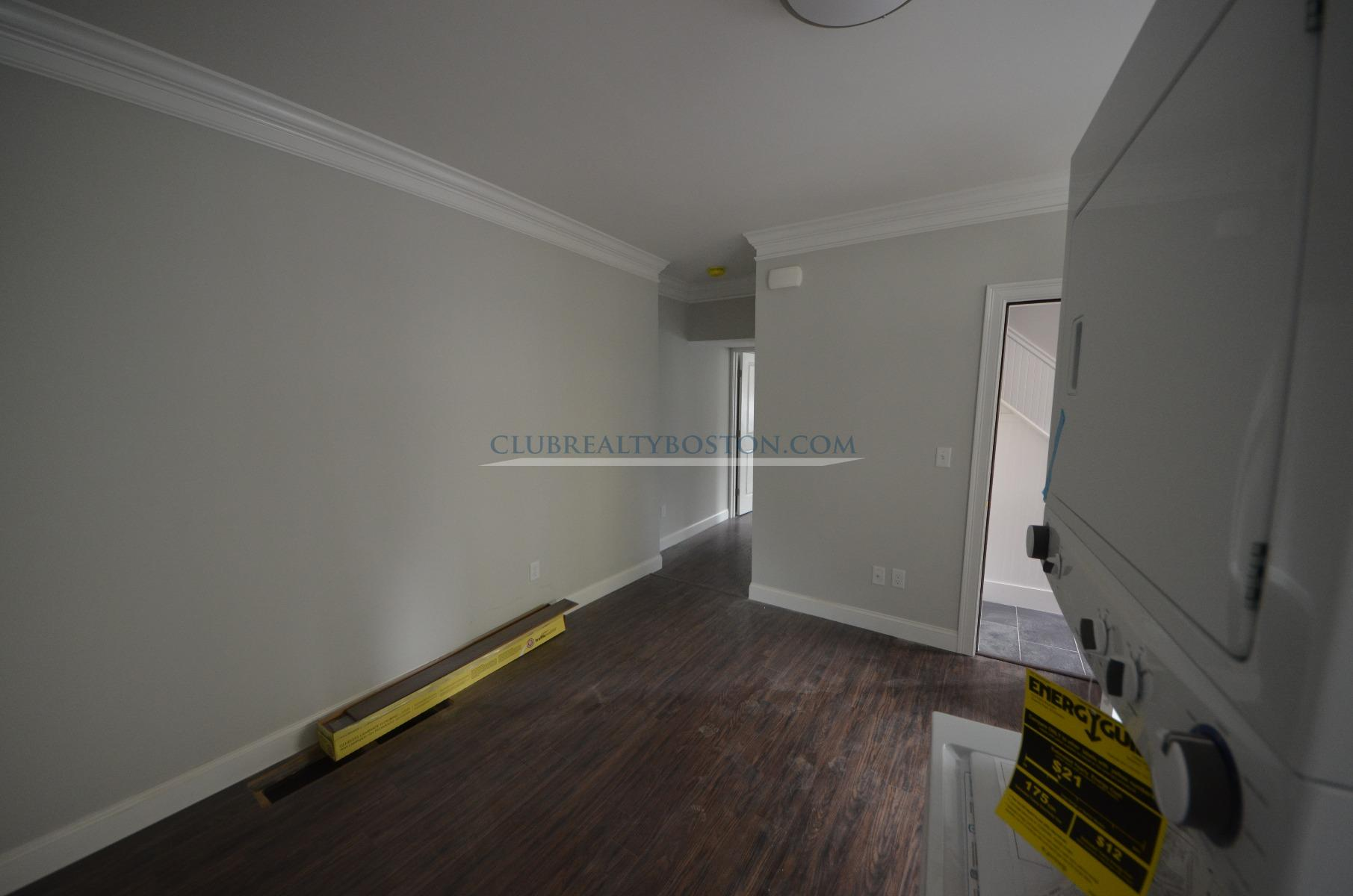 Beautiful Renovations~Brand New Everything~Parking~Laundry In Unit