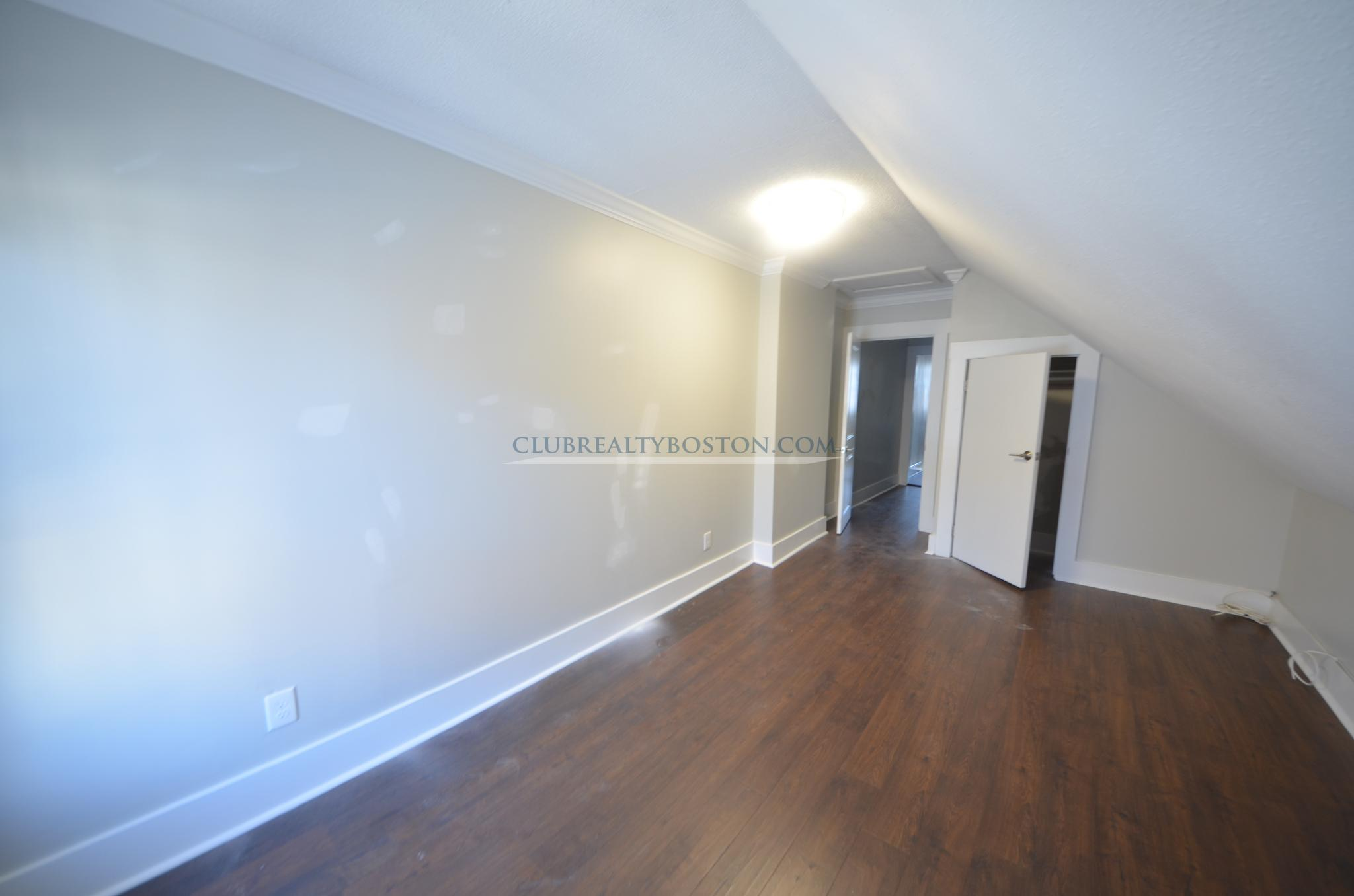 4 Beds, 2 Baths apartment in Waltham for $750