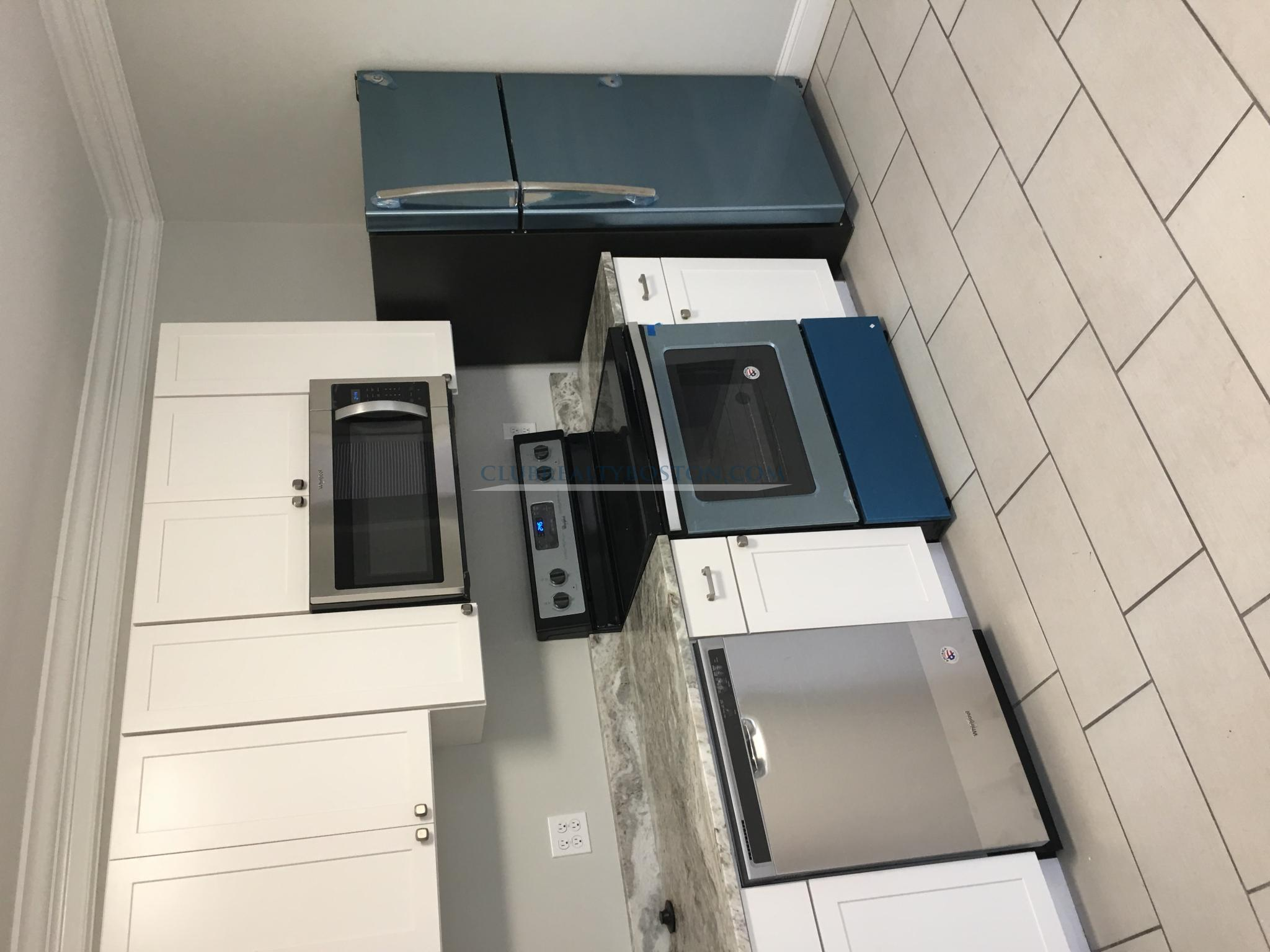 3 Beds, 2 Baths apartment in Waltham for $2,800