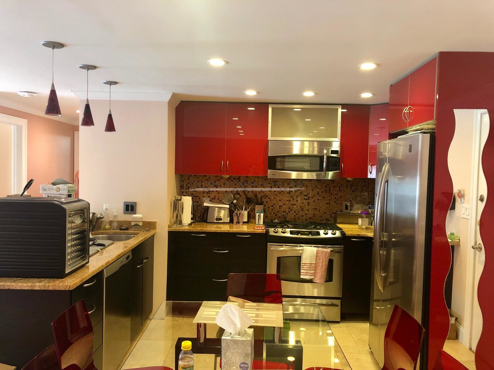 Gorgeous 2bd/1bth, 1st floor, Fully renovated, bamboo floors