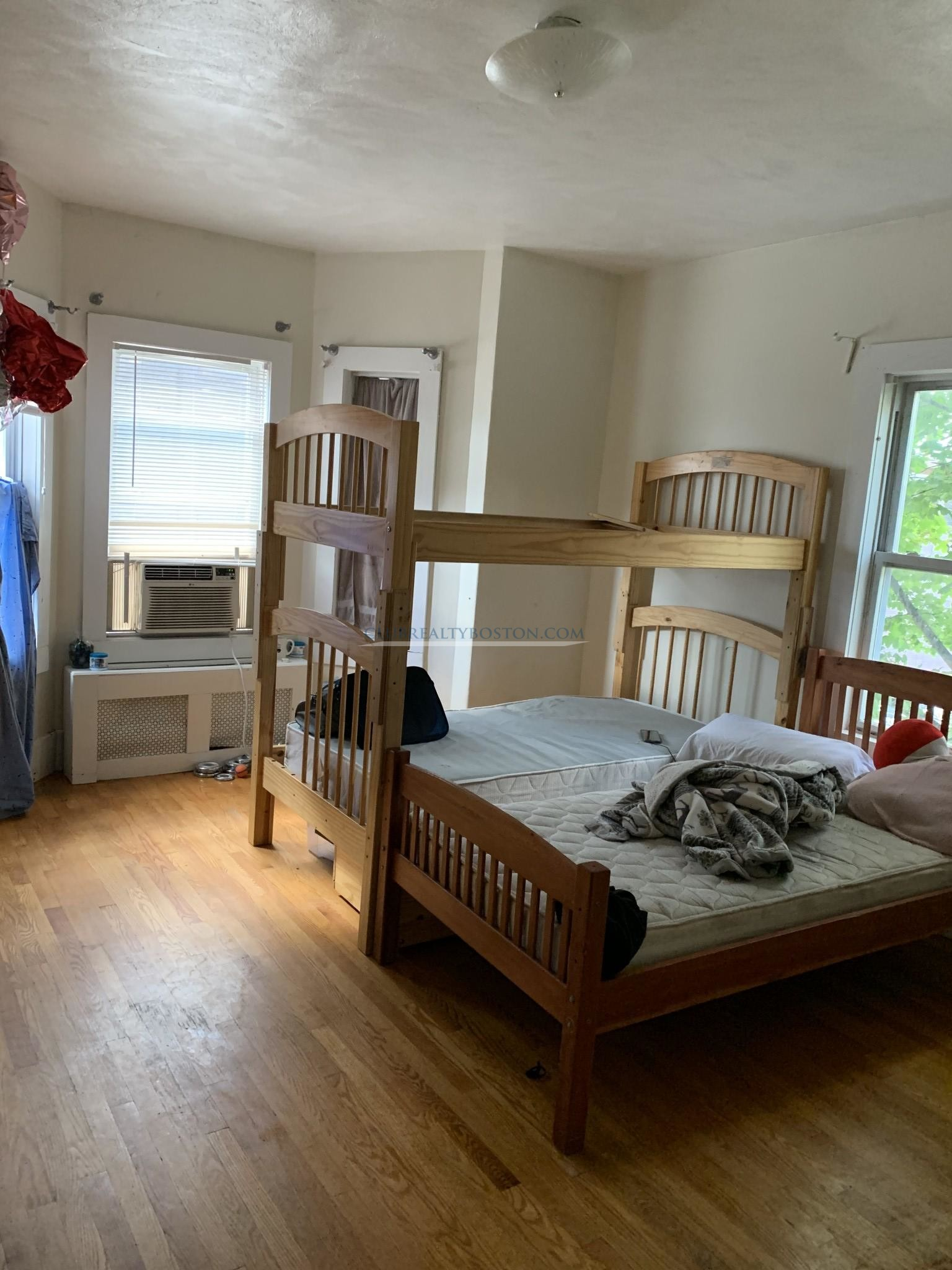 Modern 2 bed in Allston Village with Granite counters & Porch! New til