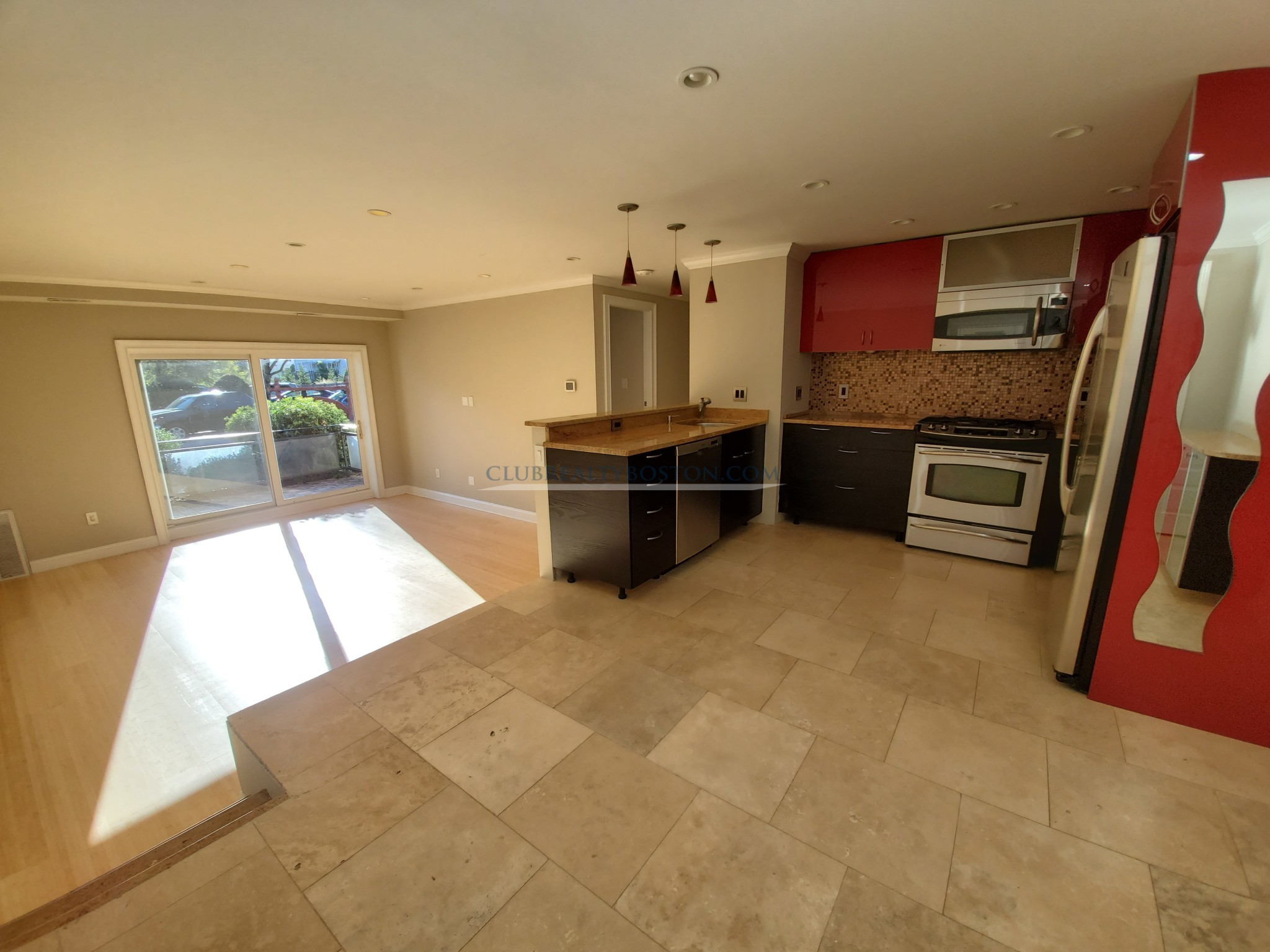 2 Beds, 1 Bath apartment in Newton, Chestnut Hill for $2,400