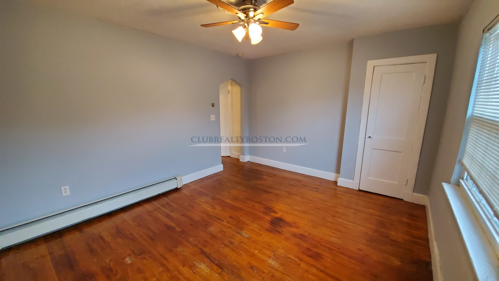 1 bed~Charming~Alcove~Hardwood Floors~MBTA~Ceiling Fans~Dishwasher