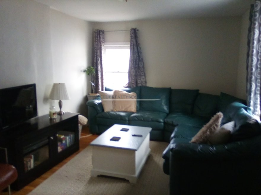 Private Room in 3 bed duplex w Dishwasher~Deck~Free Laundry