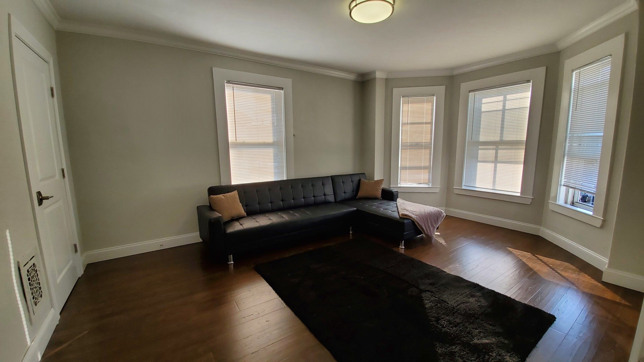 4 Beds, 2 Baths apartment in Waltham for $650