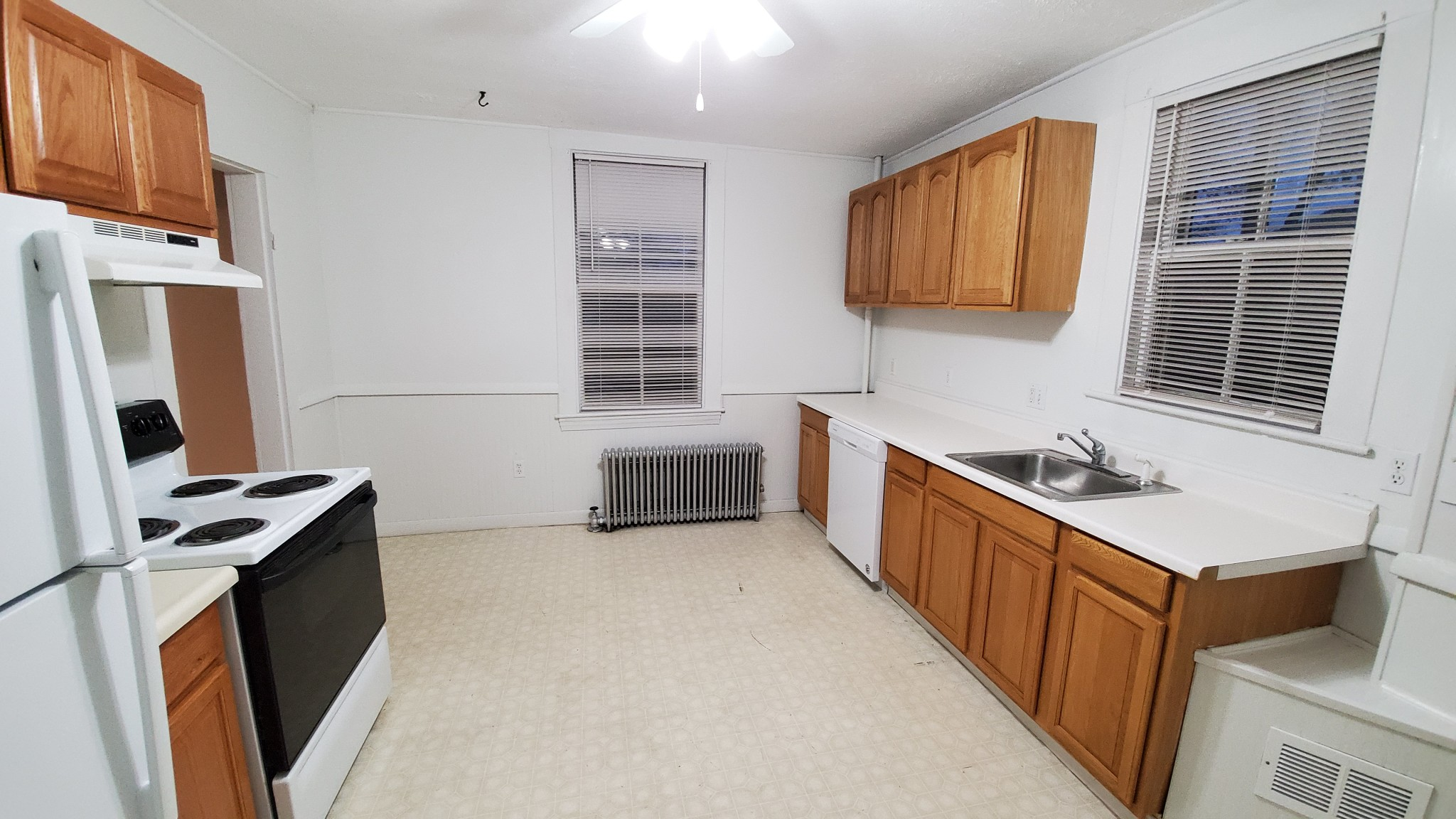 2 Beds, 1 Bath apartment in Waltham for $1,650