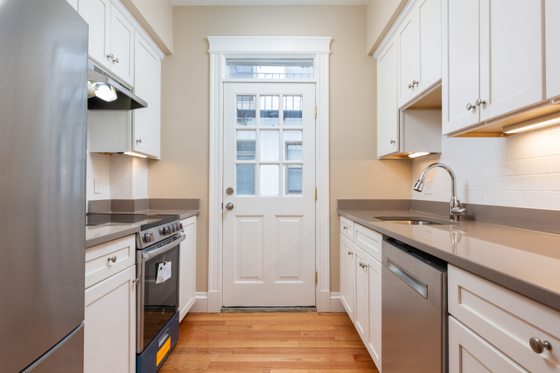 2.8 Beds, 1 Bath apartment in Boston, Fenway for $3,900