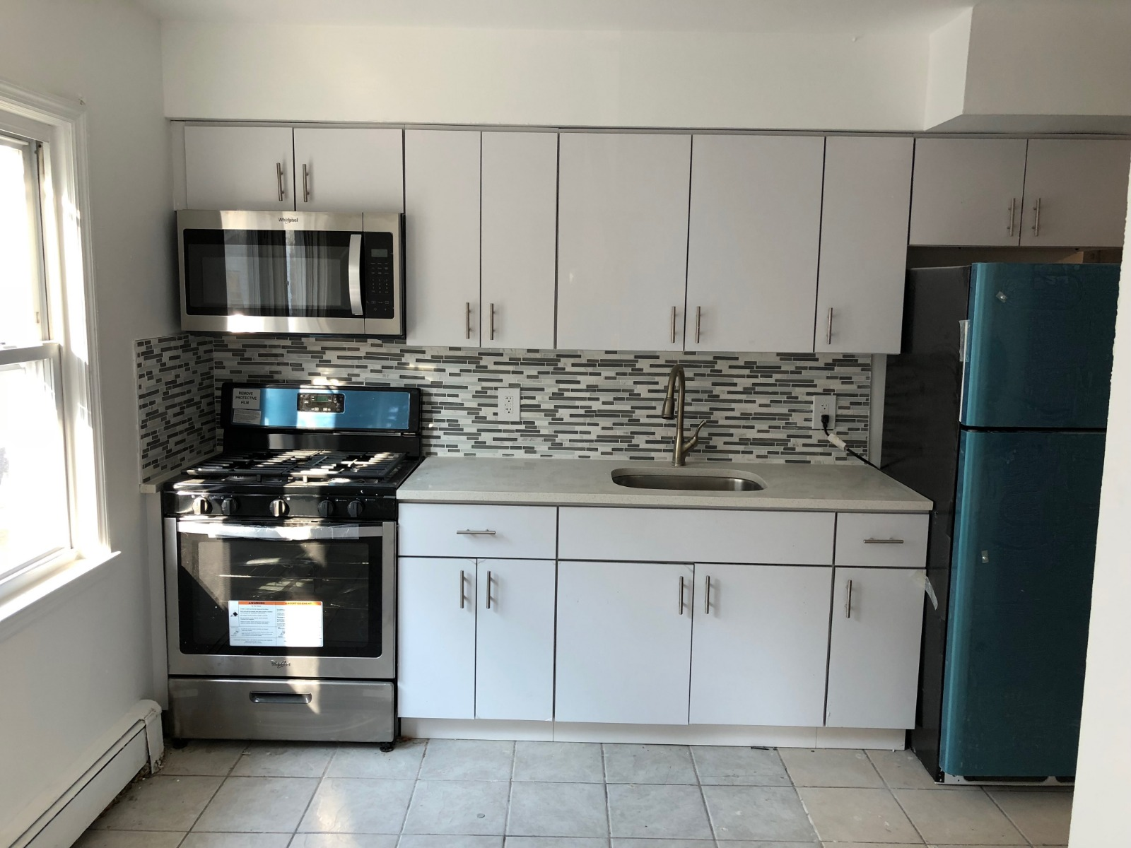 Super Spacious Apartment Close to St. Johns University and the 'F' tra